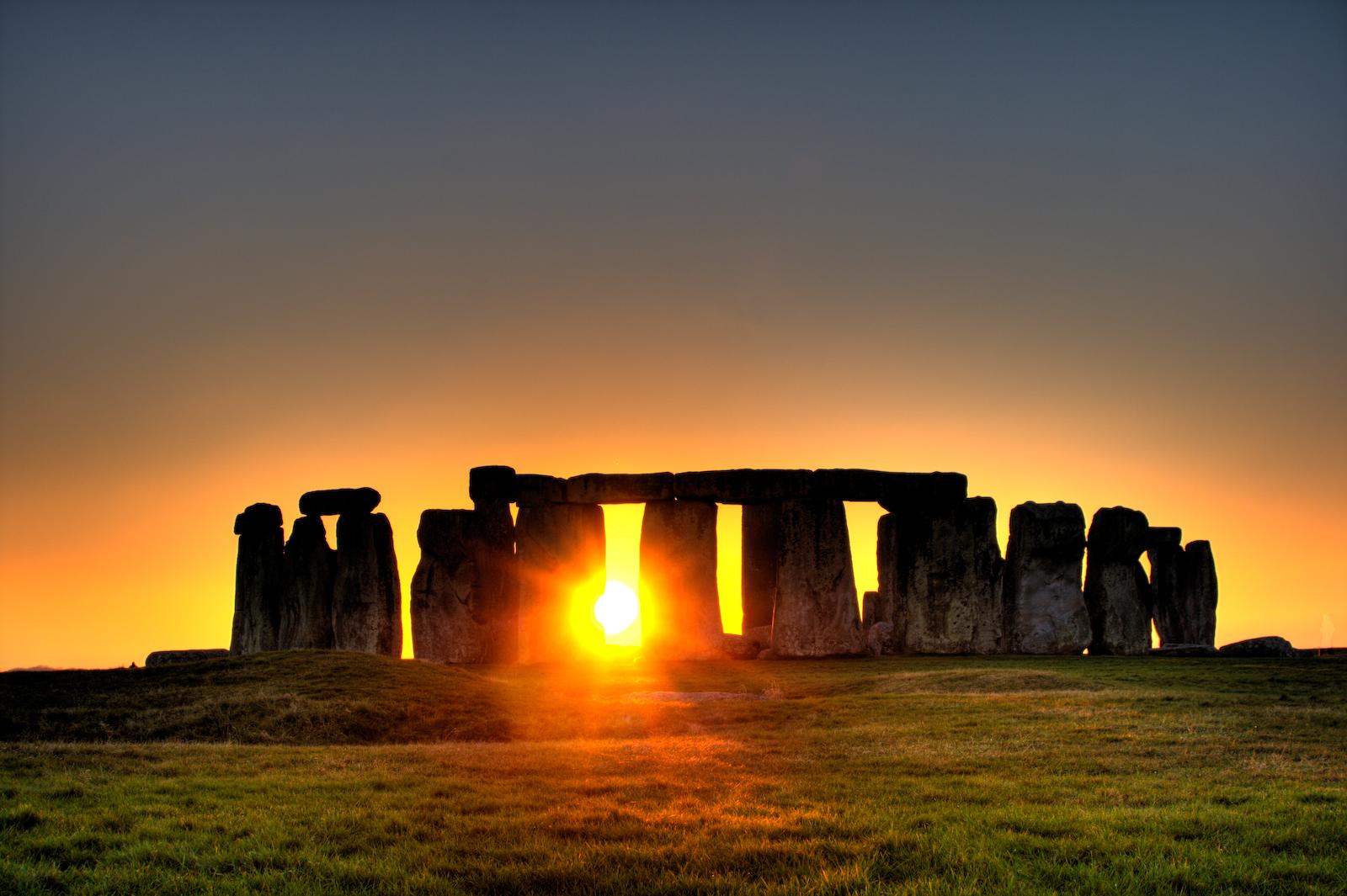 Famous Rock Group, Stonehenge, Wiltshire, England  № 715613  скачать